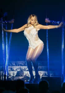 GLASGOW, SCOTLAND - MARCH 15:  Mariah Carey performs at The SSE Hydro on March 15, 2016 in Glasgow, Scotland.  (Photo by Ross Gilmore/Redferns)
